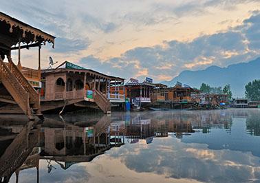 Agra-Delhi-Jammu-Patnitop-Srinagar